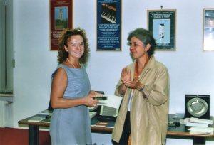 Aglaia Viviani II° classificata sezione B - poesia inedita premiata da Silvia Patrucco assessore alla cultura del Comune di Terzo - 2003