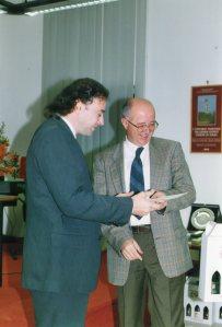 Carlo Prosperi presidente della Giuria del Concorso Gozzano premia Umberto Battegazzore 2003