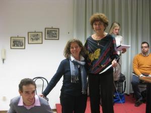 Silvia Foglino della Pro Loco di Terzo e Fabio premiano Anna Maria Carpi - 2012