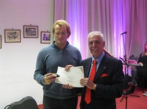 Adriano Icardi premia Roberto Borghetti